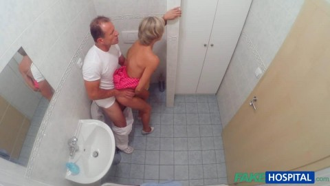 fh1180_slim_blonde_gets_creampied_after_fucking_in_the_toilet_and_the_doctors_office_720